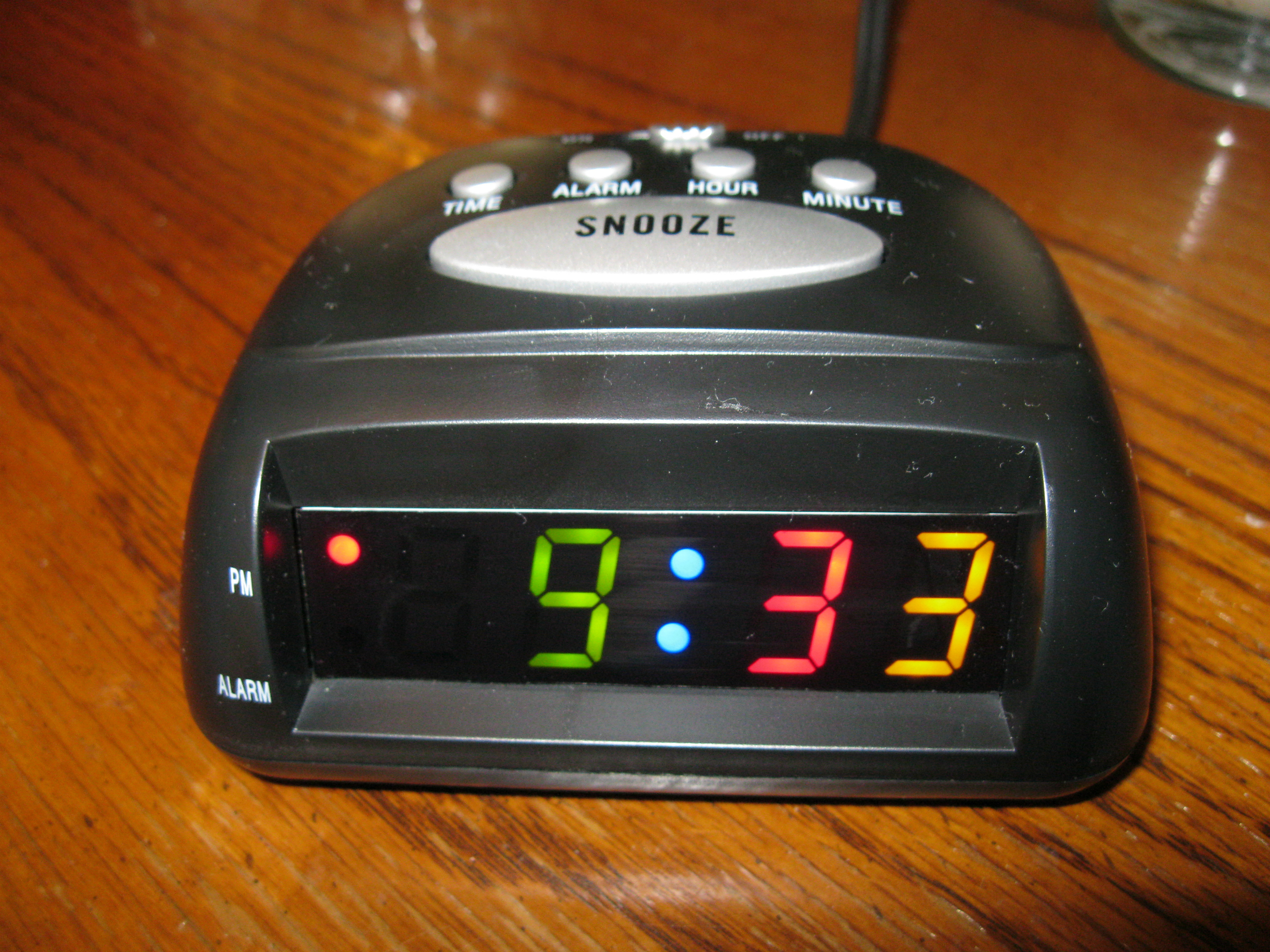 how to set time on maxim digital clock