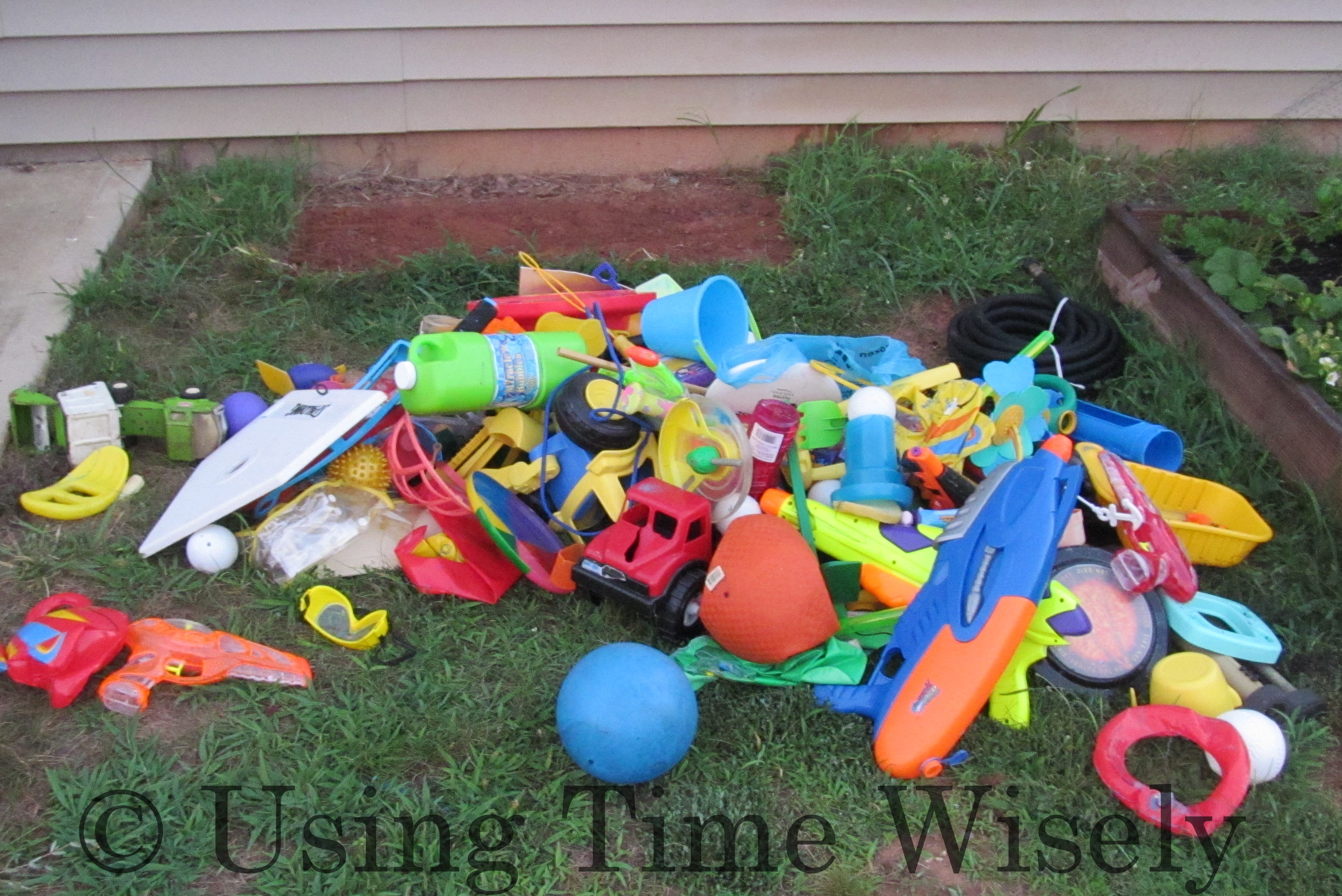 Organizing Outside Toy Chest